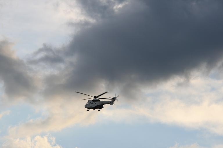 helicopter_flying_sky_oryx